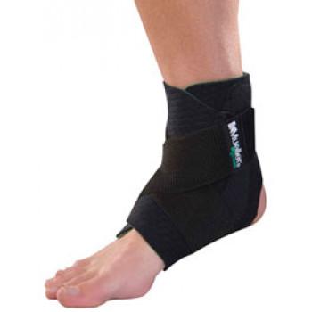 86511ML Mueller Green Adjustable Ankle Support Mueller, фиксатор лодыжки с крестообразными ремнями,